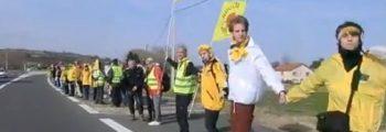 Participation à une chaîne humaine contre le nucléaire dans la vallée du Rhone